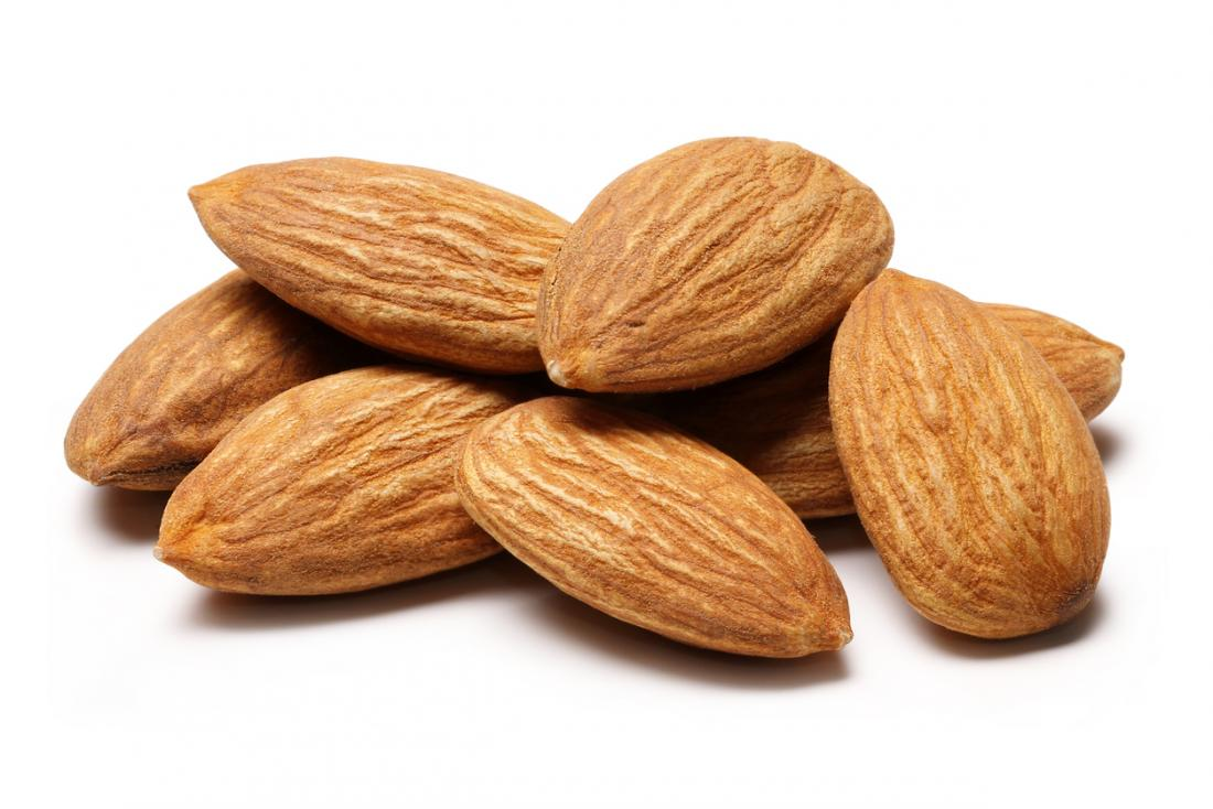 Không cắt bỏ tất cả các chất béo từ chế độ ăn uống. Chất béo lành mạnh từ các loại hạt, hạt và dầu ô liu có thể giúp kiểm soát tình trạng viêm.