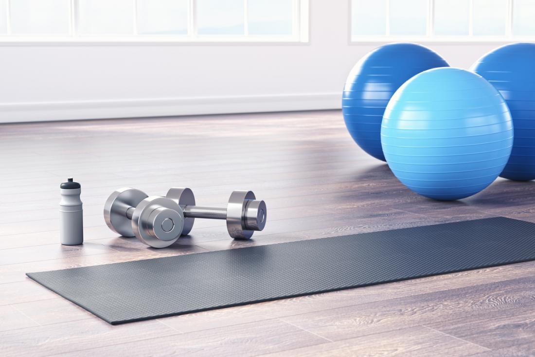 bolas e pesos de ioga