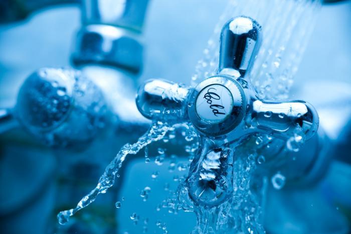 [closeup на кран за студена вода]