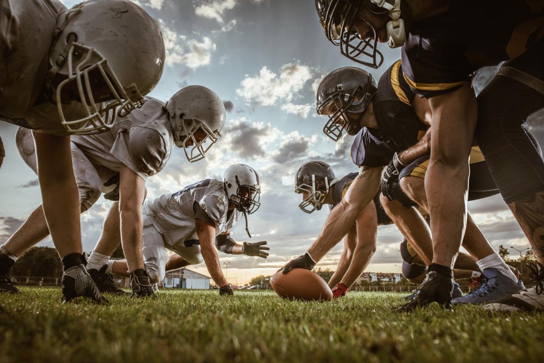 Futebol americano pode causar um cotovelo hiperextendido