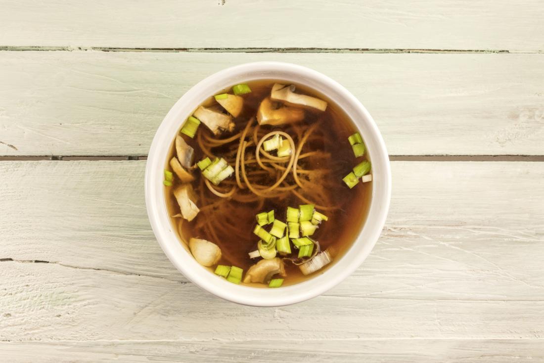 Bacia de sopa de missô para c. dieta diff.