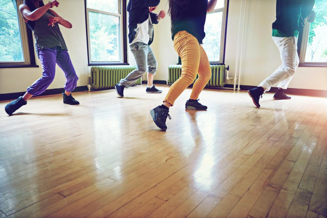 Dançarinos em um estúdio estão em maior risco de síndrome cubóide