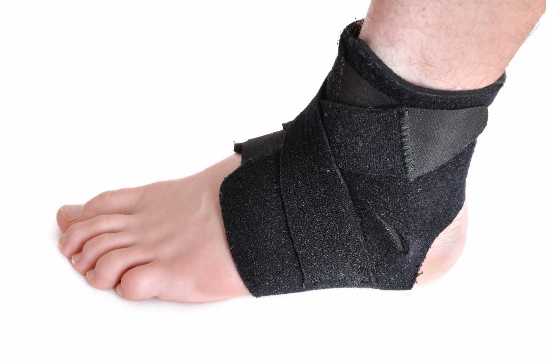 Suporte para os pés para uma pessoa com síndrome do cuboide