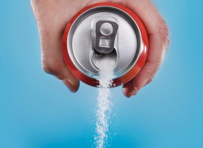 Canette de soda à verser le sucre.