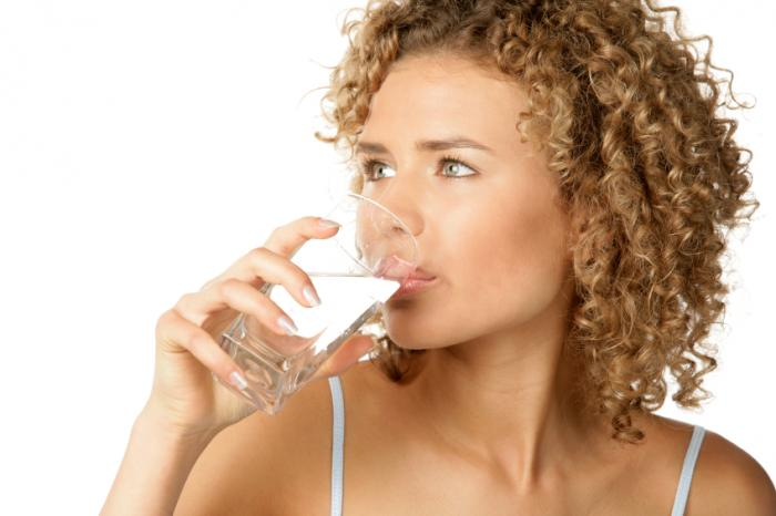 Acqua potabile della donna