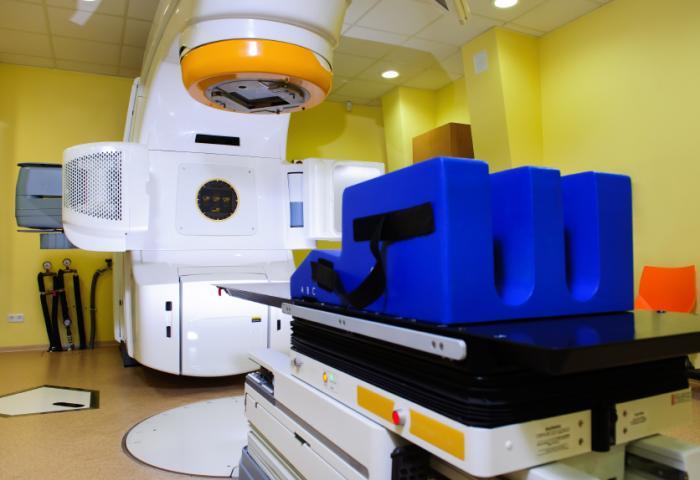 放射線治療マシン。