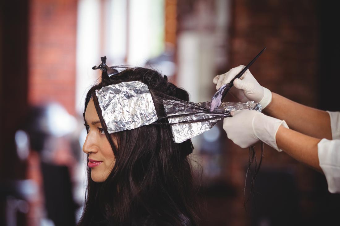 Handschuhe für Haarfärbemittel verwenden
