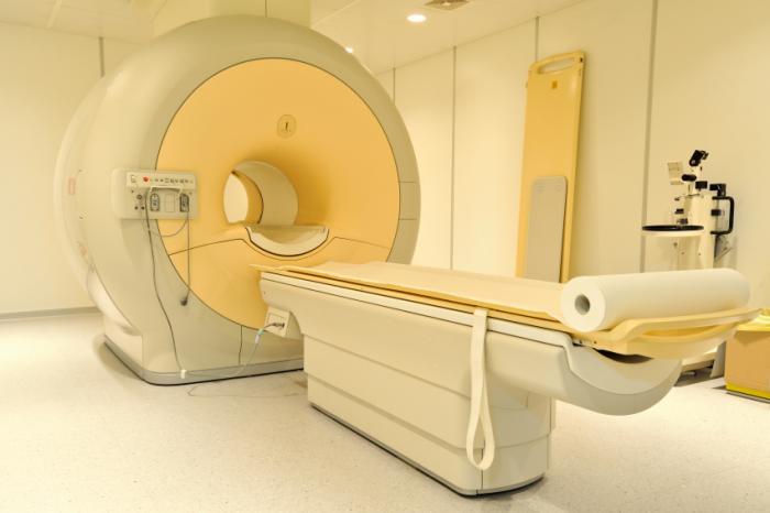 MRIスキャナー。