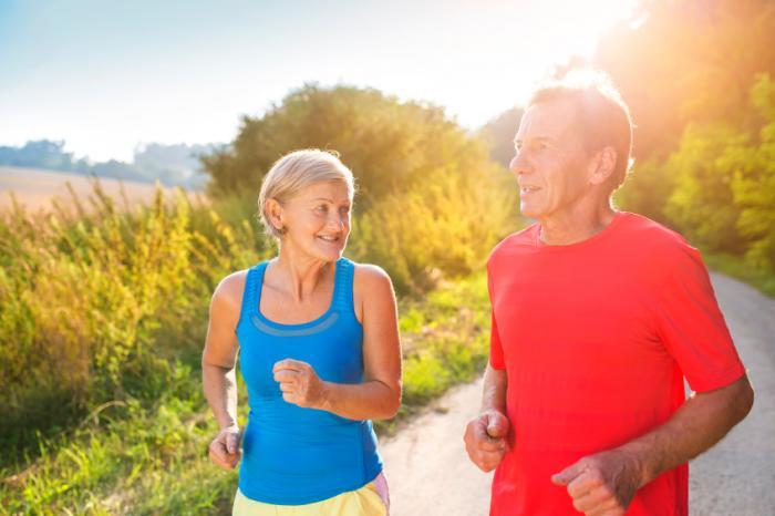 Pessoas idosas, jogging