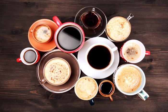 [コーヒーカフェインの数多くのカップ]