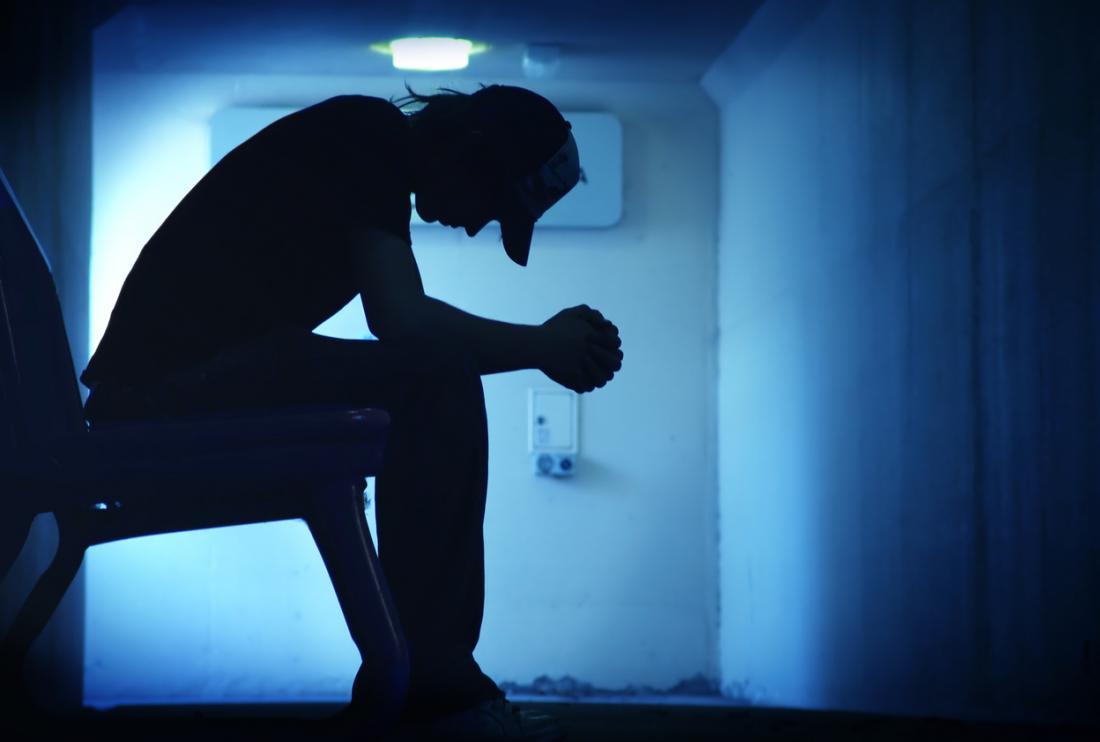 Silhouette de la personne déprimée