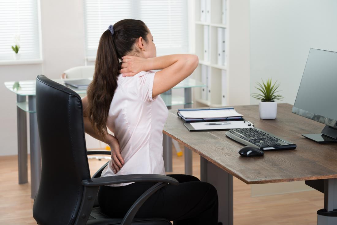 Das obere Kreuzsyndrom betrifft die Schultern, den Nacken und den oberen Rücken.
