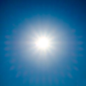 [Le soleil dans le ciel]