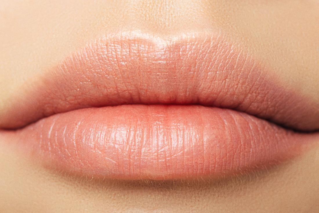 Nahaufnahme der Lippen der Frau