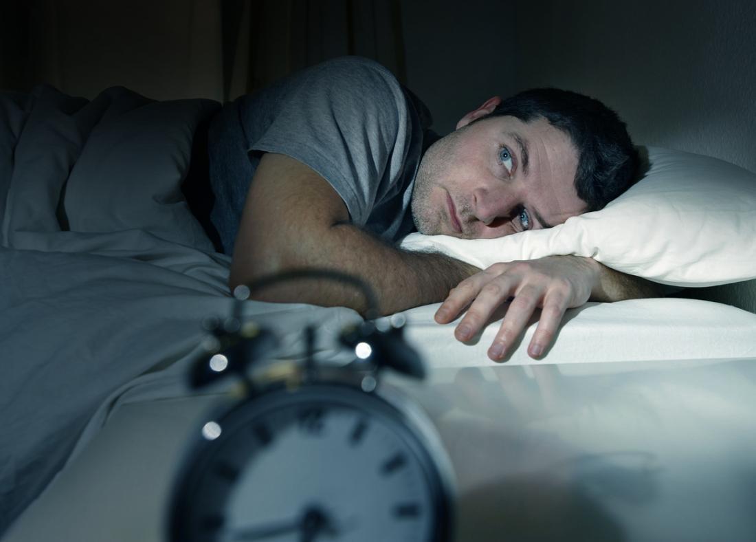 homme sans sommeil