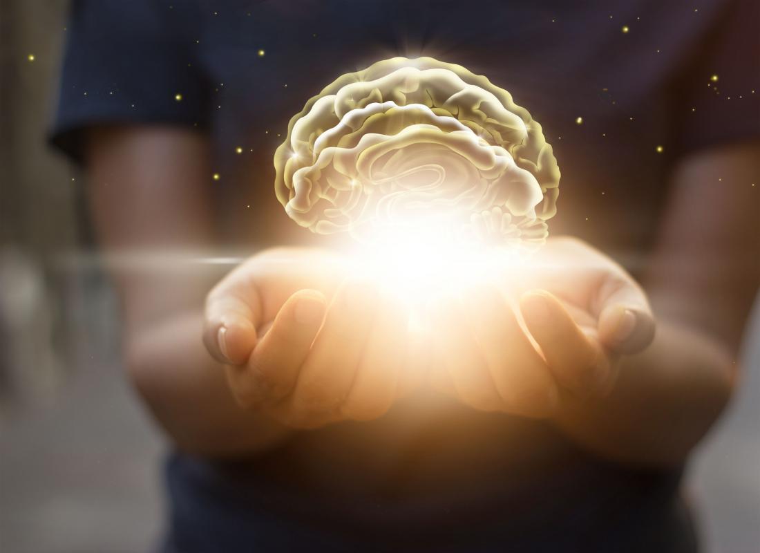 手を伸ばして光る脳