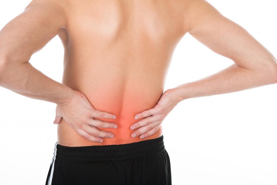 човек с ниска болка в гърба