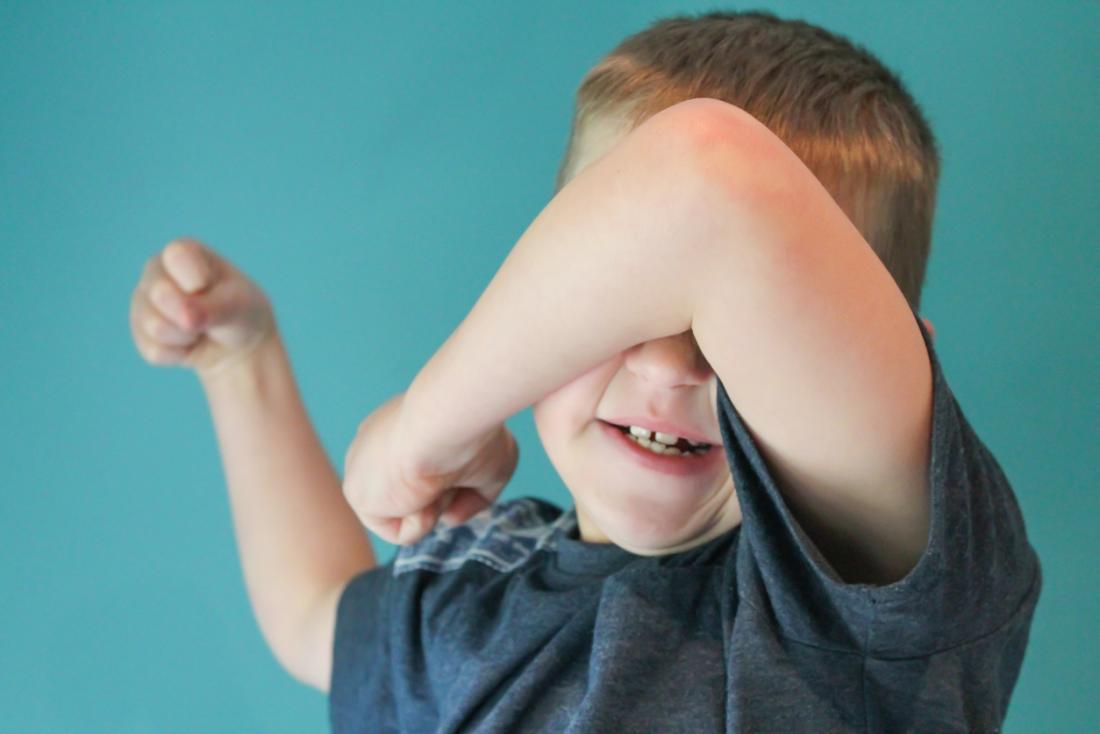 Verärgerter Junge mit ADHS
