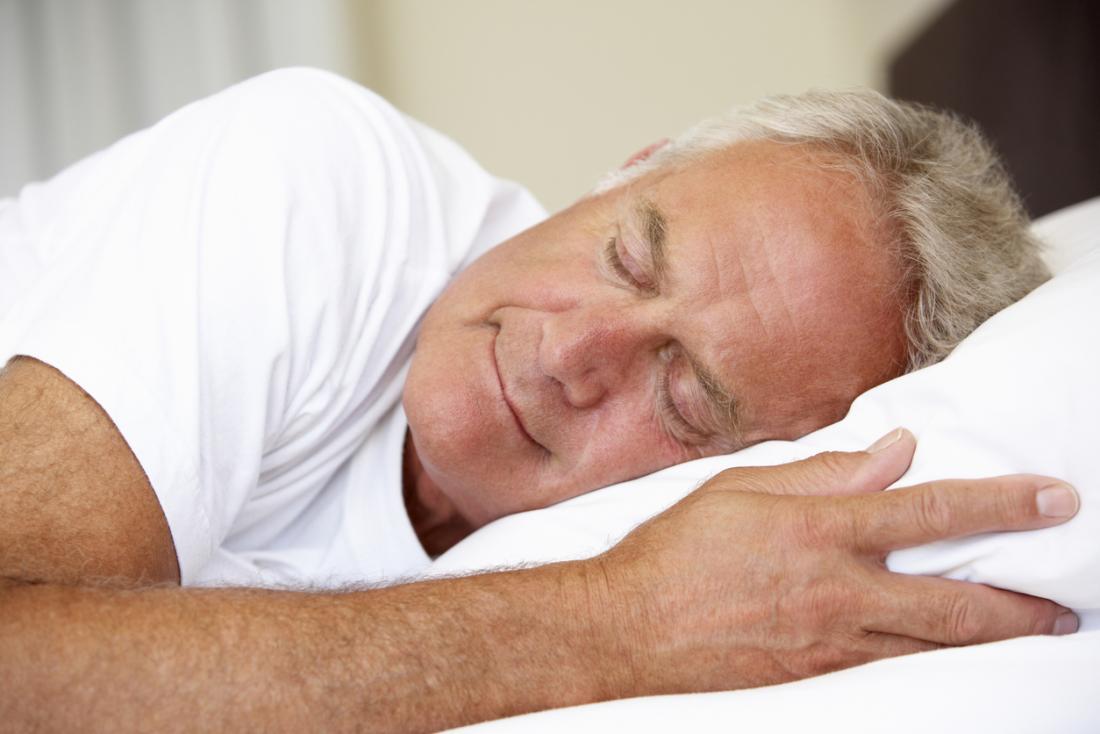 ein Mann schläft