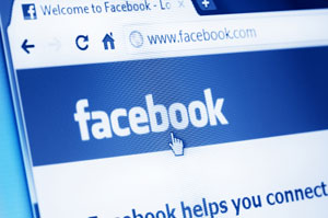 Facebook-Website im Browser-Bildschirm
