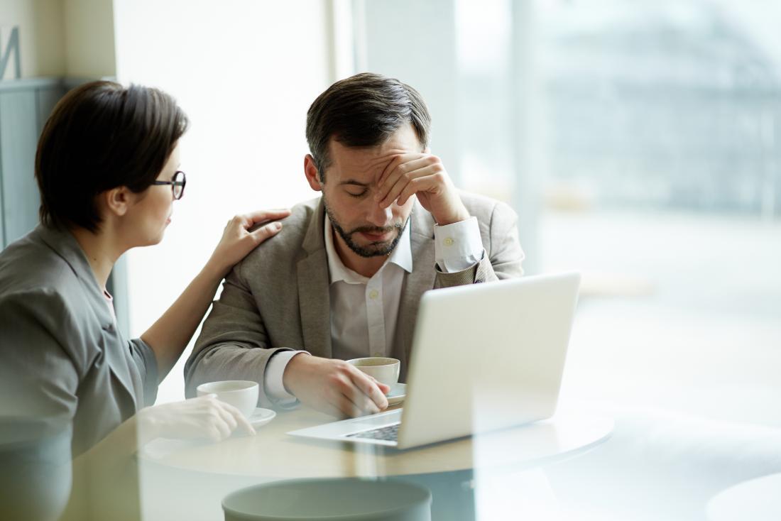 Ataque de pânico vs. ataque de ansiedade pode ser causado por estresse no local de trabalho