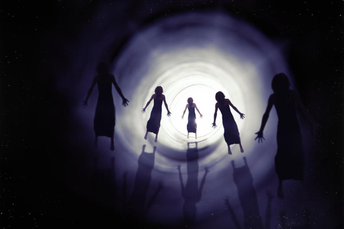 Tunnels d'expérience de mort imminente et spiritueux