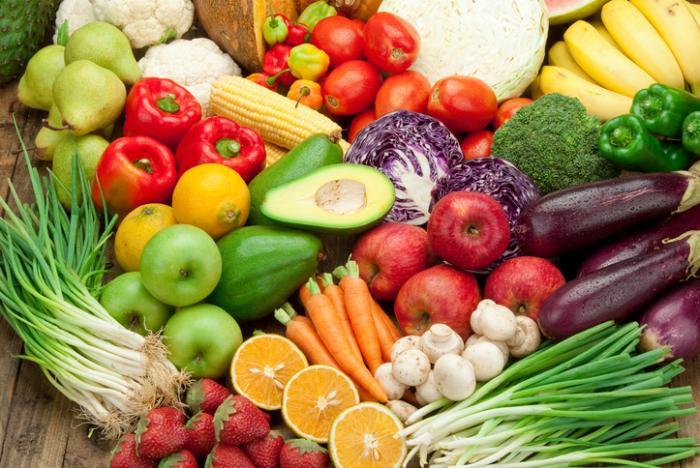 une sélection colorée de fruits et légumes