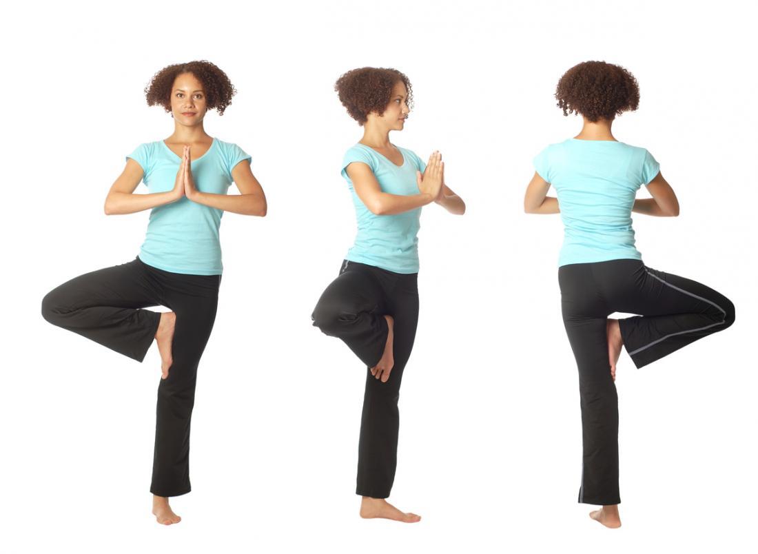 [junge Frau Yoga-Pose aus drei Blickwinkeln]