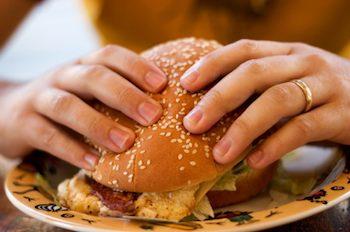 Burger étant mangé