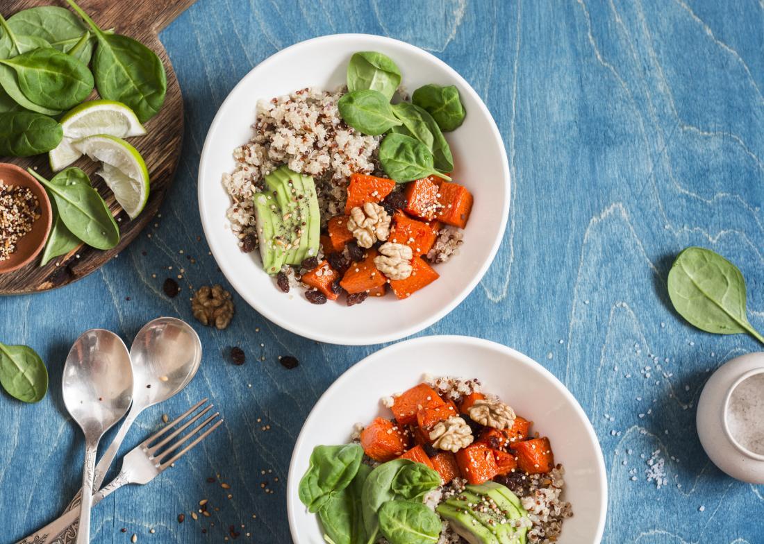 gesundes veganes Essen mit Pflanzenfutter